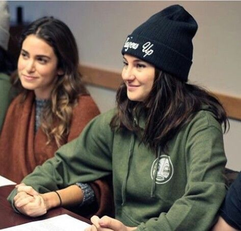 Nikki Reed (Rosalie in Twilight) and Shailene Woodley (Tris in Divergent)