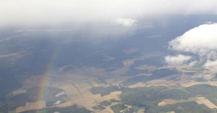 Martje: Rainbow from airplane