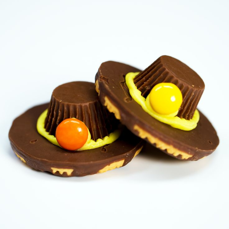 Thanksgiving Chocolate Pilgrim Hats
