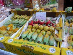 http://agavepalermo.wordpress.com/2009/11/01/la-festa-dei-morti-e-la-frutta-martorana/