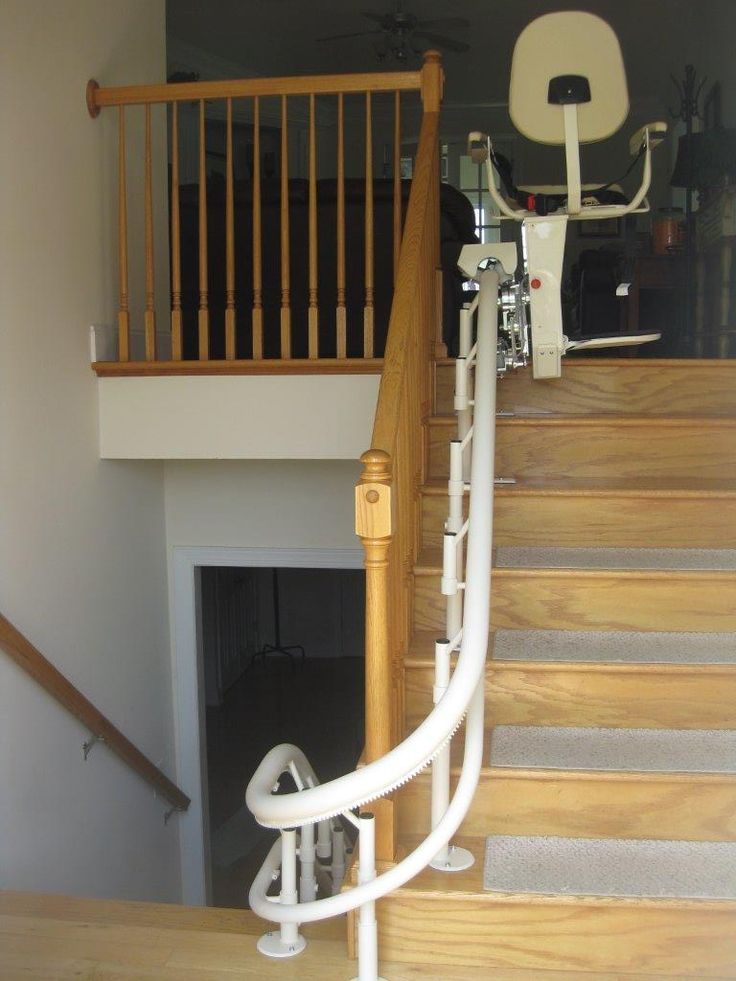 Dave Taylor, Amramp Eastern TN, installed a multi-level curved stairlift for a veteran in Telford, TN.