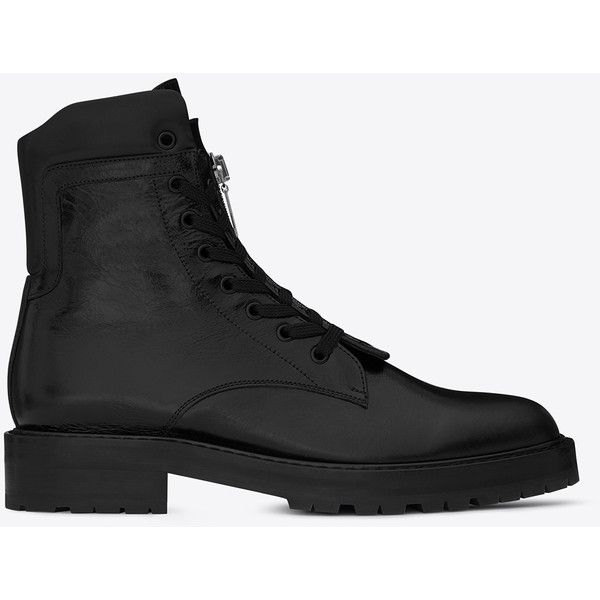 Saint Laurent William 25 Front Zip Boot (€1.050) ❤ liked on Polyvore featuring men's fashion, men's shoes, men's boots, yves saint laurent mens shoes, mens lace up shoes, yves saint laurent mens boots, men's front zipper boots and mens lace up boots