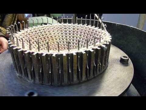 Filmpje: Industriële rondbreimachine.