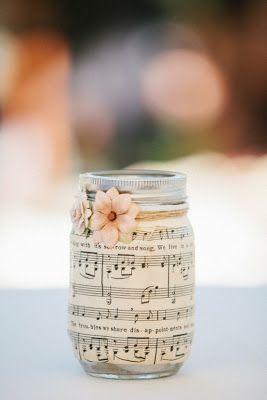 Casamento feito à mão: Decoração com partituras                                                                                                                                                                                 Mais