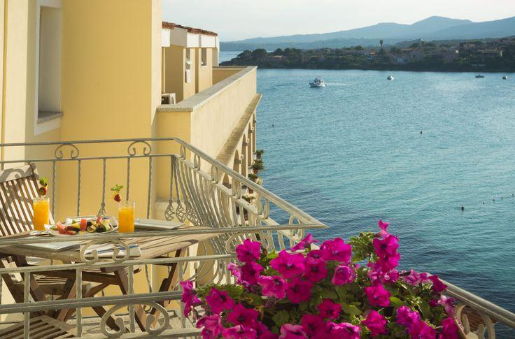 La vista della Terza Spiaggia dai balconini della nostra Suite Cala Moresca