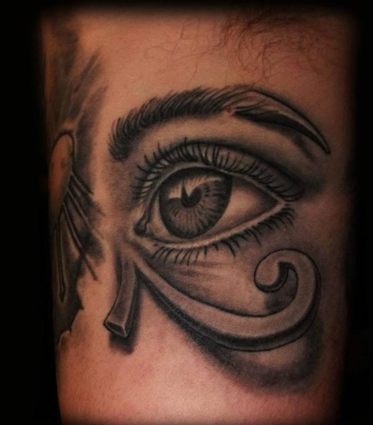 Les 25 meilleures id es de la cat gorie tatouages oeil - Tatouage oeil d horus ...