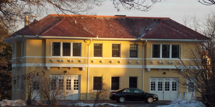 Carriage house, DeereWiman House, Moline, Illinois Quad