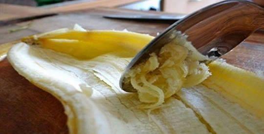 La buccia di banana può essere utilizzata in tanti modi, ha proprietà antifungine, antibiotiche e enzimatiche ecco tutti gli usi