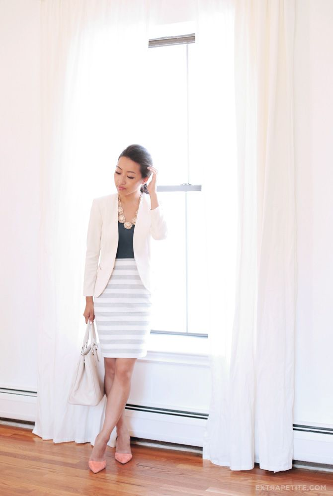 Pink Passion: ExtraPetite shows off her summer stripes and touch of pink shoes