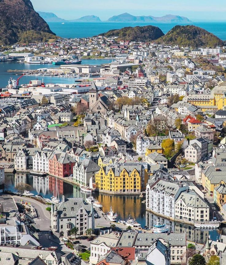 Like Comment 38,613 likes living_europeA thousand houses 🏘 ~ Ålesund, Norway Photo: @agabidzinska