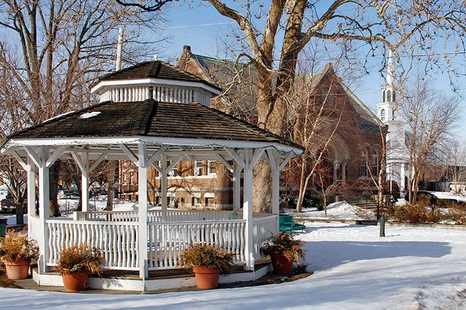Historic Amesbury, Massachusetts | A Small-Town Community in the City