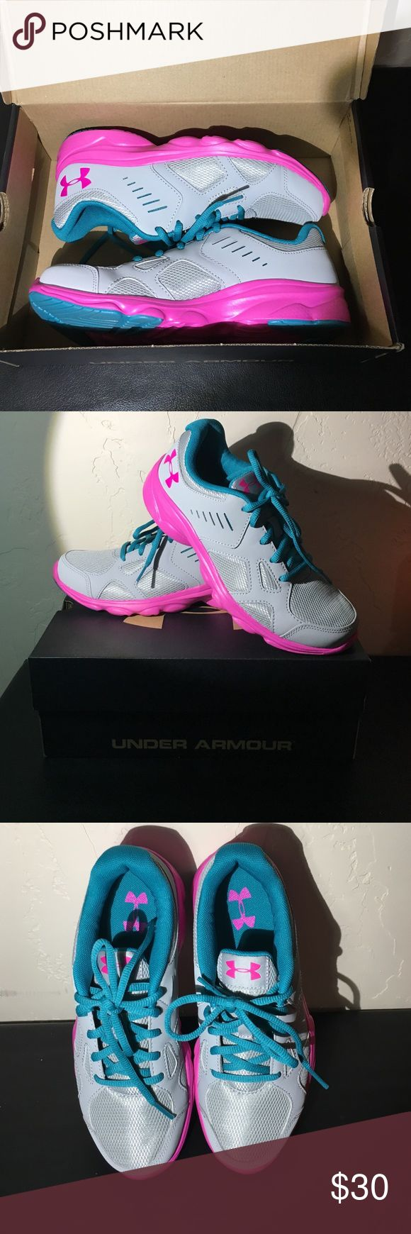 Under armour girls tennis shoes. New in box New in box. Would make a great x mas present. Open to reasonable offers 👍🏼 Under Armour Shoes Sneakers
