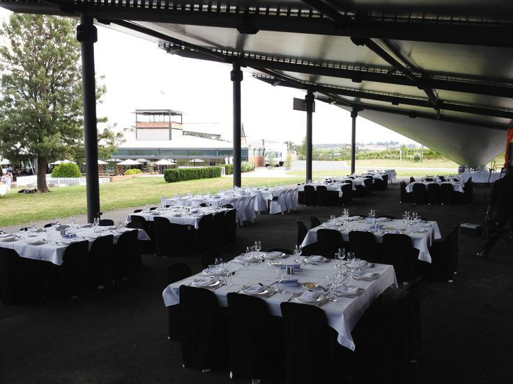 Outdoor dining on a large scale at Rochford Wines