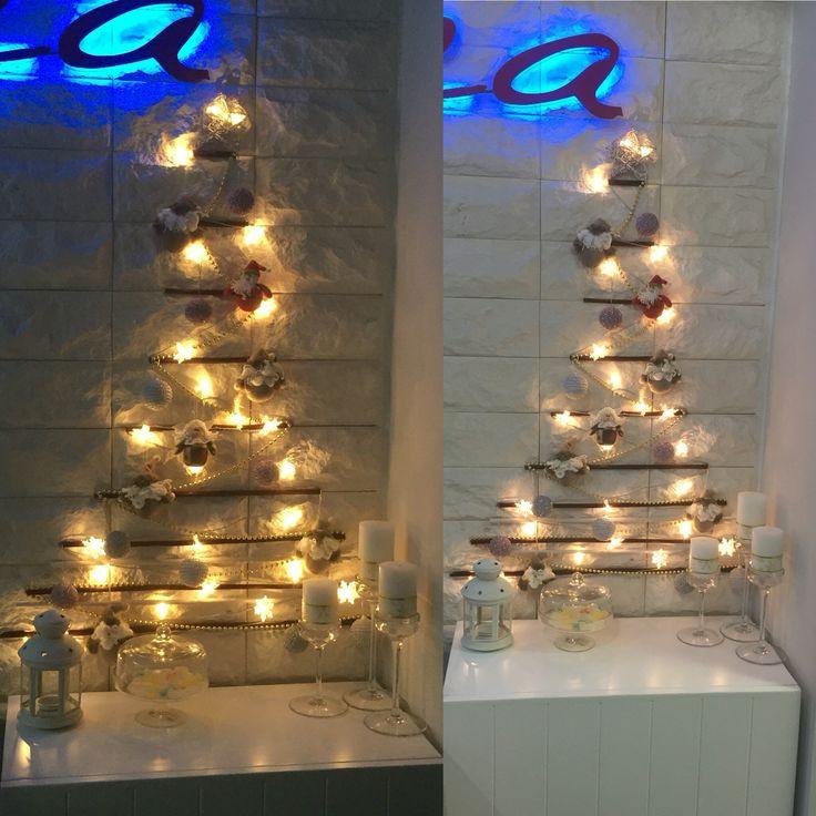 Árbolito de navidad en la pared