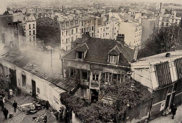 12 mai 1970. Incendie au Bateau-Lavoir. Fonds L'Aurore / Photo Jacques Mouret / BnF