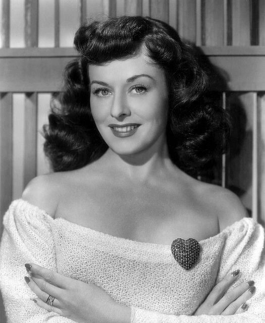 """classic-hollywood-glam:  """"Paulette Goddard  """"  Paulette Goddard (born Marion Levy; 1910 – 1990) was an American actress, a child fashion model and a performer in several Broadway productions as a Ziegfeld Girl, she became a major star of Paramount..."""