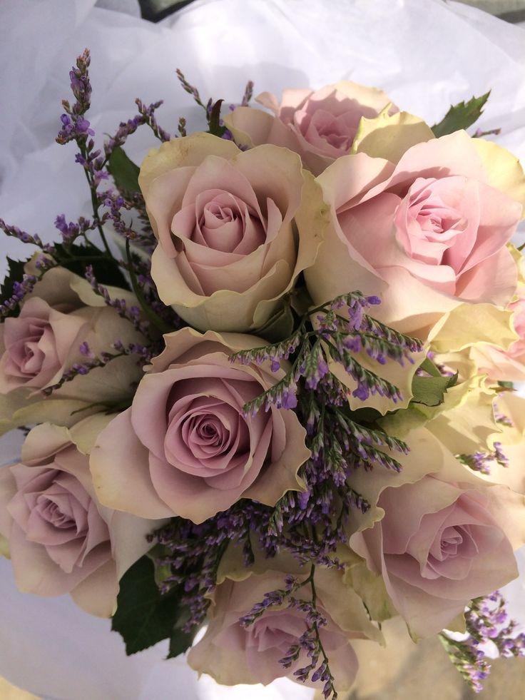 Beautiful arrangements #Wedding #Bouquet #Styling #weddingbouquets #bridebouquet #floralarrangements #flowerarrangements #flowerdesigns #floraldesigns http://www.decorit.com.au (3)