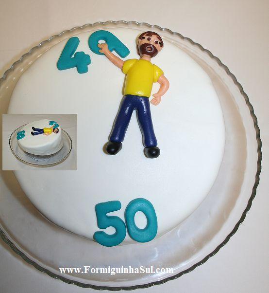 Um bolo inclinado para quem está a escorregar para os 50!