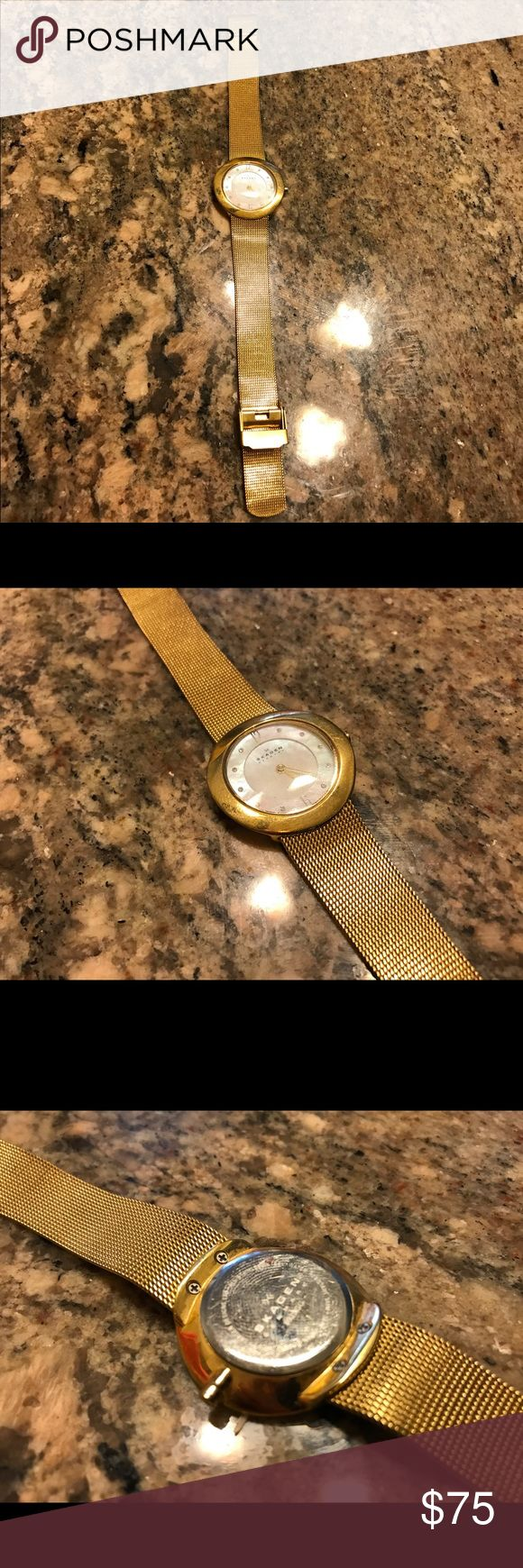 Skagen Ladies Gold watch Preloved with basic signs of usage like scratches it doent work at the moment maybe  needs batteries. Skagen Accessories Watches