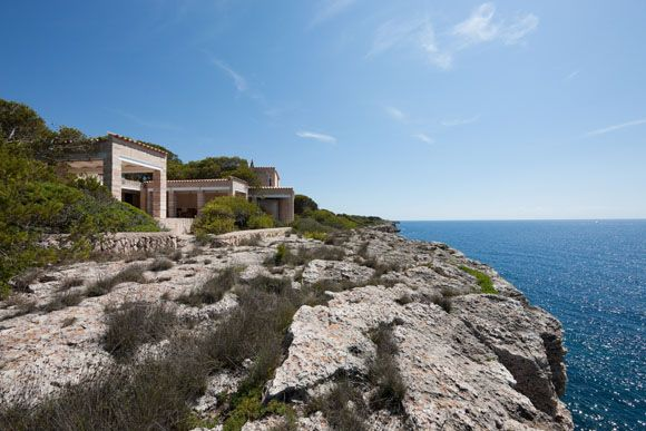 "JA+U: ""Visiting Can Lis – Jørn Utzon's House on Majorca"" Report by Yoshiharu Tsukamoto © Yasuhiro Nakayama (Shinkenchiku-sha)"