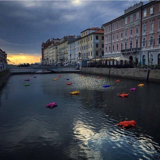 Canale Grande by nightCracking Art @ Trieste (Photo by @satthy on Instagram)