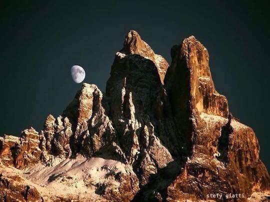 Fantastica panoramica da San Martino di castrozza. Sass Maor e cima Madonna Pale di San martino