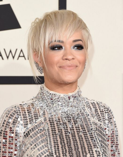 Rita Ora Short Blond Hairstyle for Thin Hair