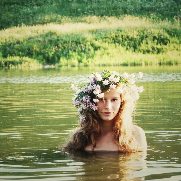 Summertime: Flowers Children, Water Fairies, Flowers Crowns, Beautiful, Lakes, Water Nymphs, Hair, Bohemian, Floral Crowns