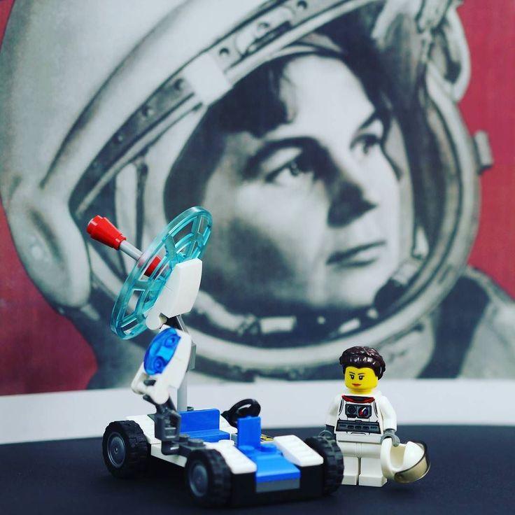 Today in 1995 astronaut Eileen Collins becomes the first woman to pilot the Space Shuttle! #WeLoveWhatYouBuild #wlwyb #lego #legostagram #toys #toyslagram #toystagram #design #legominifigures  #legoshop  #legofun  #legophotography  #legoart  #legomania  #instagood  #awesome  #minifigs  #minifigure  #inspirational  #classics  #legogram  #beautiful  #legofan  #instatoys  #toycommunity  #brickcentral  #first  #astronaut  #space  #pilot