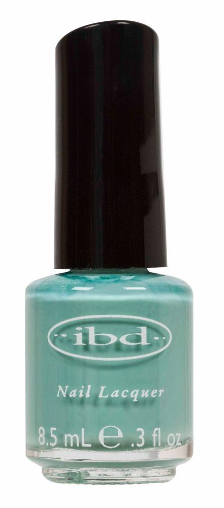 IBD NAIL LACQUER JUPITER BLUE - 8.5 mL    IBD Nail Lacquer Base Coat facilita la adesione dello smalto IBD e isola le unghie naturali dagli aloni di colore.