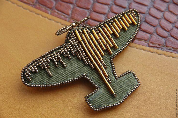 """Купить Вышитая брошь """"В блеске славы"""" - хаки, золото, самолет, самолеты, самолетик, милитари"""