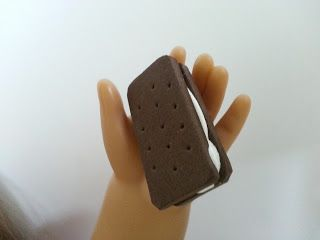 American Girl Doll Crafts and Fun!: How to Make a Doll Ice Cream Sandwich