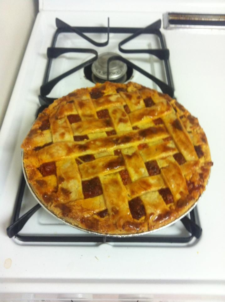 I can't have enought of strawberry rhubarb pie ! This one was really good !