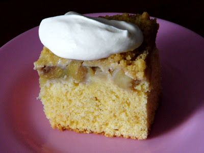 One Mother Hen: Feijoa and Apple crumble cake