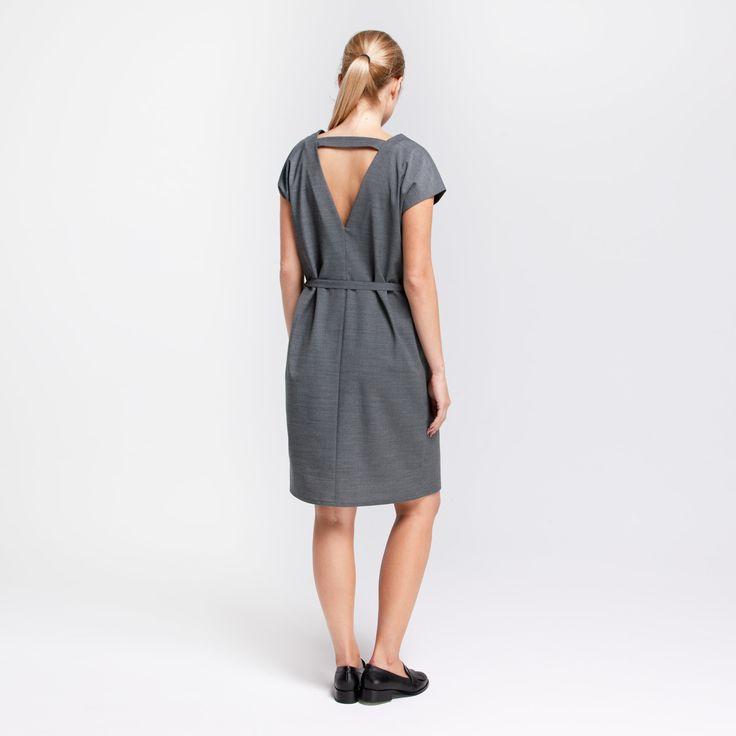 Safari Dress Grey Elementy #safari #dress #wool #grey #vneck #elementy #polishfashion #classic #minimal #simplicity #sukienka #polskamoda #wełna #minimalizm #aw16