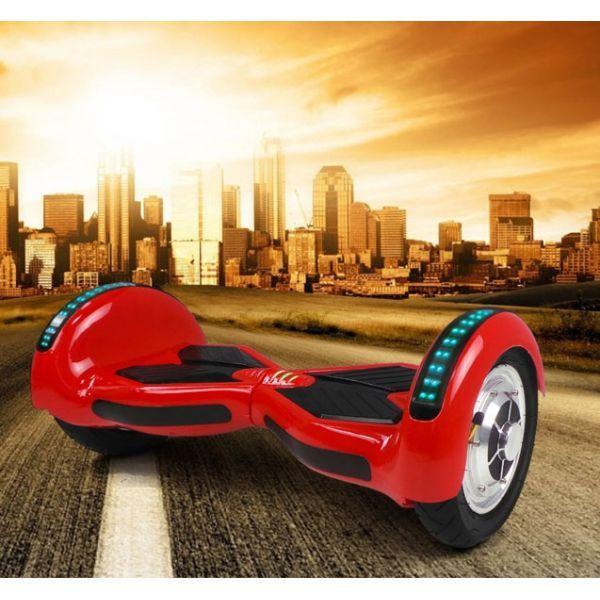 Tasapainoskootteri C punainen, 399,95€. Tätä tasapainoskootteria ohjataan yksinkertaisesti painoa siirtämällä. Kokematonkin käyttäjä onnistuu muutaman harjoittelukerran jälkeen käyttämään tasapainoskootteria turvallisesti. Kaksi voimakasta 400W moottoria vievät käyttäjää jopa 15km/h vauhdilla. Ilmainen toimitus! #tasapainoskootteri