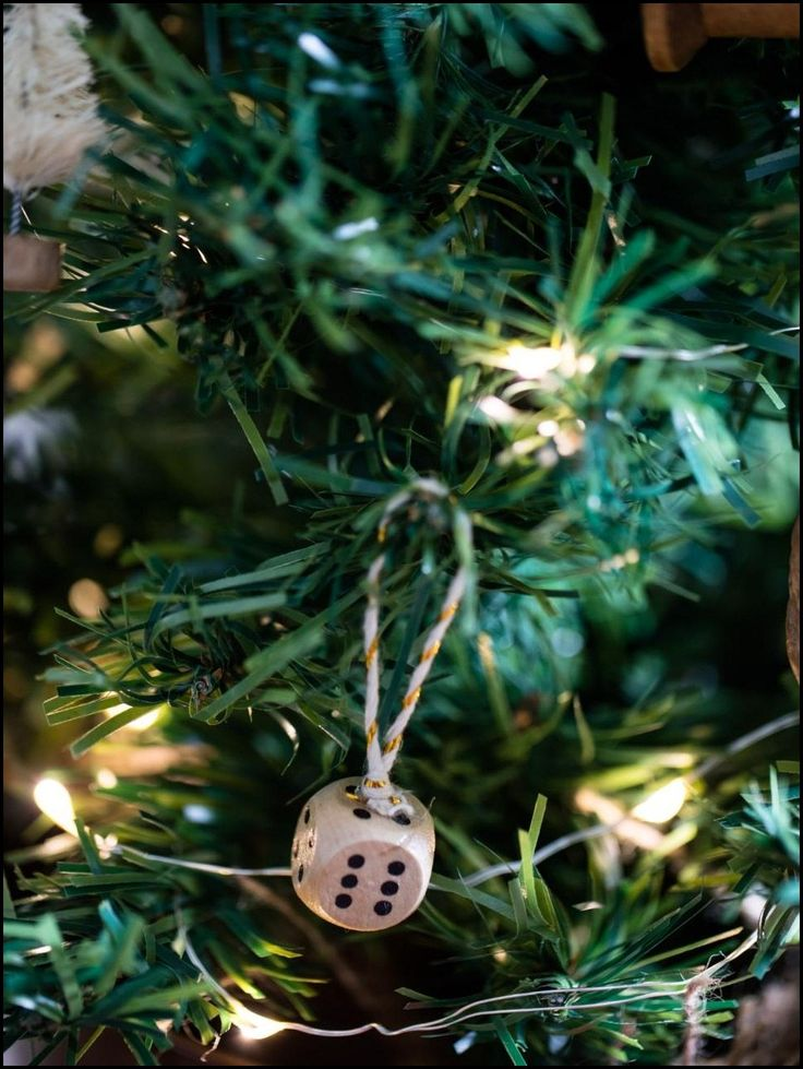 How to Make Your Own Christmas Tree Ornaments : Dice Ornament  www.thedecorbar.com