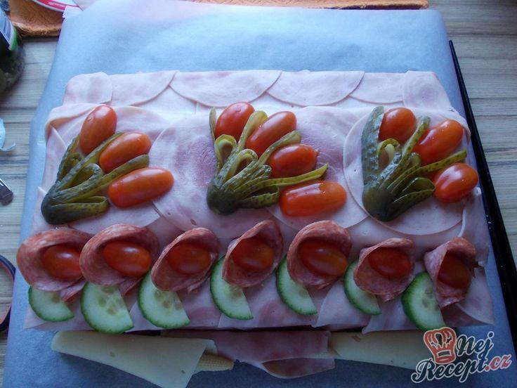 Fotopostup, se kterým vyrobíte slaný dort i vy. Děkujeme za foto recept Veronice S.
