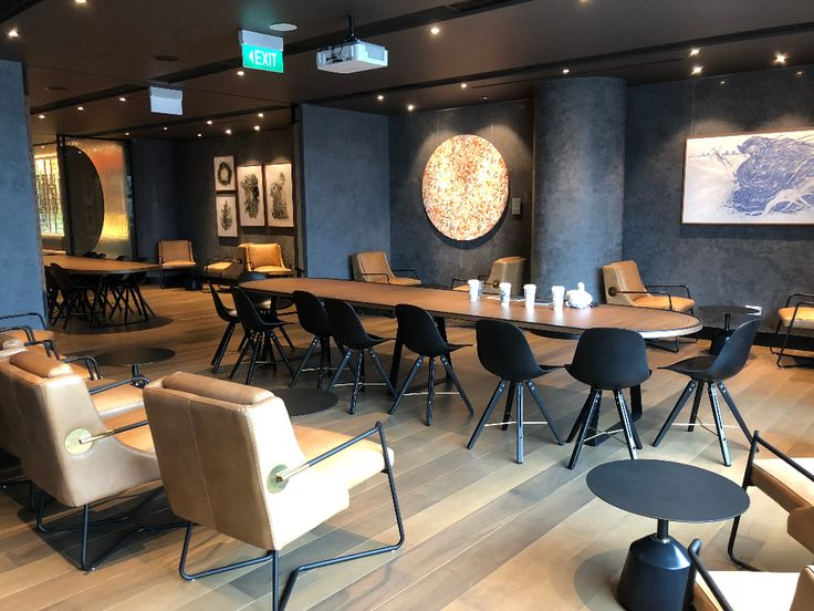 Starbucks Flagship Store At Jewel Changi Airport Covers 2 Floors Sells Exclusive Merchandise Mothership Sg News From Singapore Asia In 2020 Home Decor Home Decor