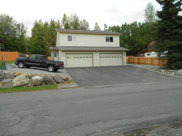 Duplex for Rent with 3 Bedrooms for rent. Price $1,800, Property Number 3398357623