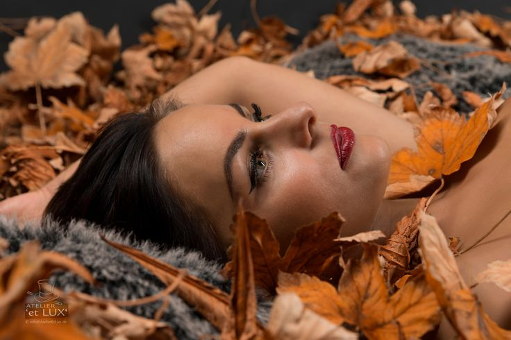 Session 'Elf of Autumn'  Photography: Atelier 'et Lux' Model: Tritzi Sz