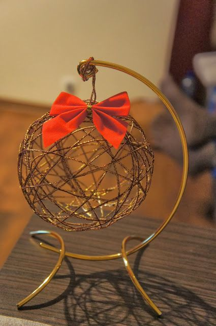 Rzeczy małe i duże: Przygotowania do Świąt czyli Choinka ze wstążki ,Bombka ze wstążki , Bombka z włóczki , Bombka ze sznurka