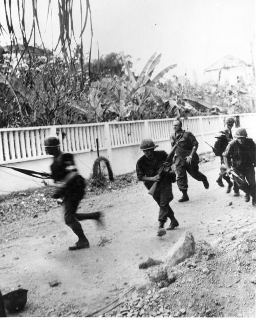 American soldiers during the Tet Offensive, Saigon, 1968.