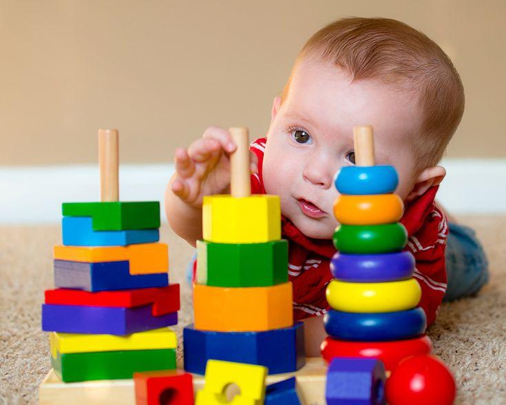 Les jouets jouent un rôle essentiel dans le développement de l'enfant. Ils sont très importants dans les premiers apprentissages, c'est pourquoi les critères de sélection doivent se faire en fonction de l'âge et des capacités des enfants. Chaque catégorie de jouets contribue à développer un ou plusieurs domaines : sensorialité, motricité, affectivité, intelligence, créativité, sociabilité… Nous vous proposons un tour d'horizon des différents stades de développement des jeunes enfants (de 3…