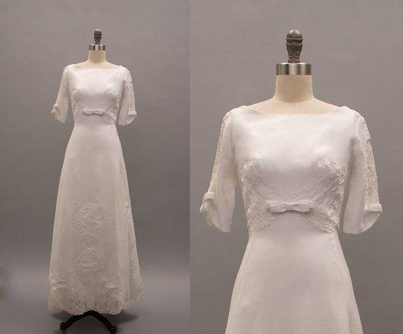 witte linnen bruiloft jurk vintage 1960s door RevivalVintageBoutiq