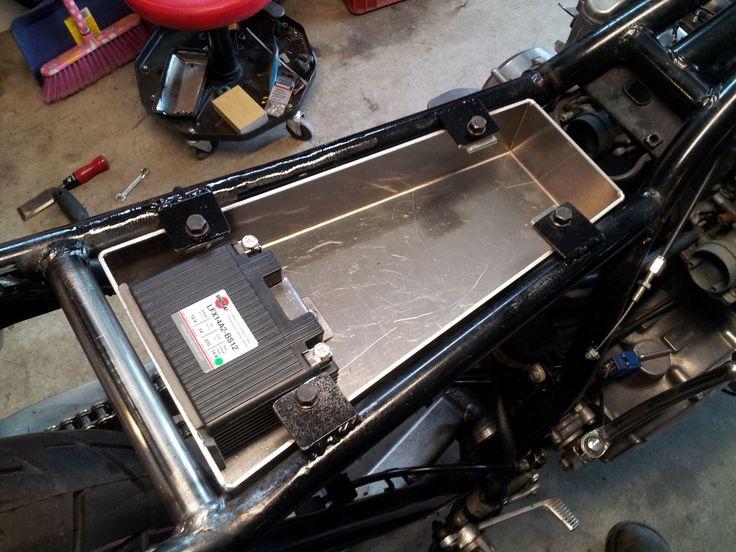 Cafe Cb550 Wiring Diagram Battery Box Cafe Racer Moto Cafe Racer Bikes Yamaha