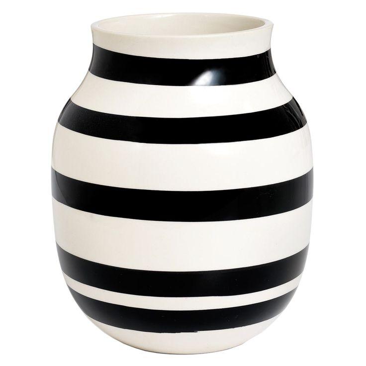 Omaggio vase M, svart i gruppen Innredningsdetaljer / Dekorasjon / Vaser & Potter hos ROOM21.no (130684)