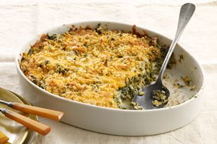Turn your spinach blahs into spinach ahhs with our crispy cracker-and-Cheddar-topped dish. Your family will enjoy every bite of this creamy veggie side. #recipe #dinner