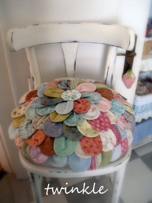 TWINKLE PATCHWORK: ME QUIERE, NO ME QUIERE........