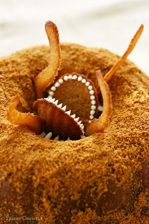 Star Wars Sarlacc Bundt Cake - Yummy Crumble